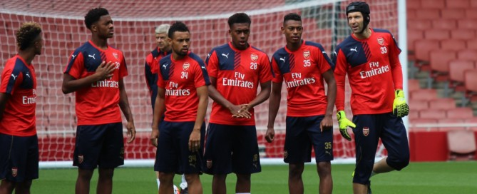ARSENAL PIC - PLAYERS IN TRAINING